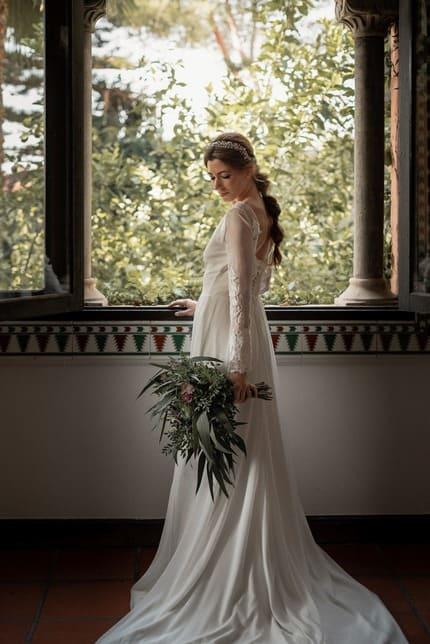 Diadema joya para novias con coleta con strass y perlas cultivadas de río- Laura Murcia