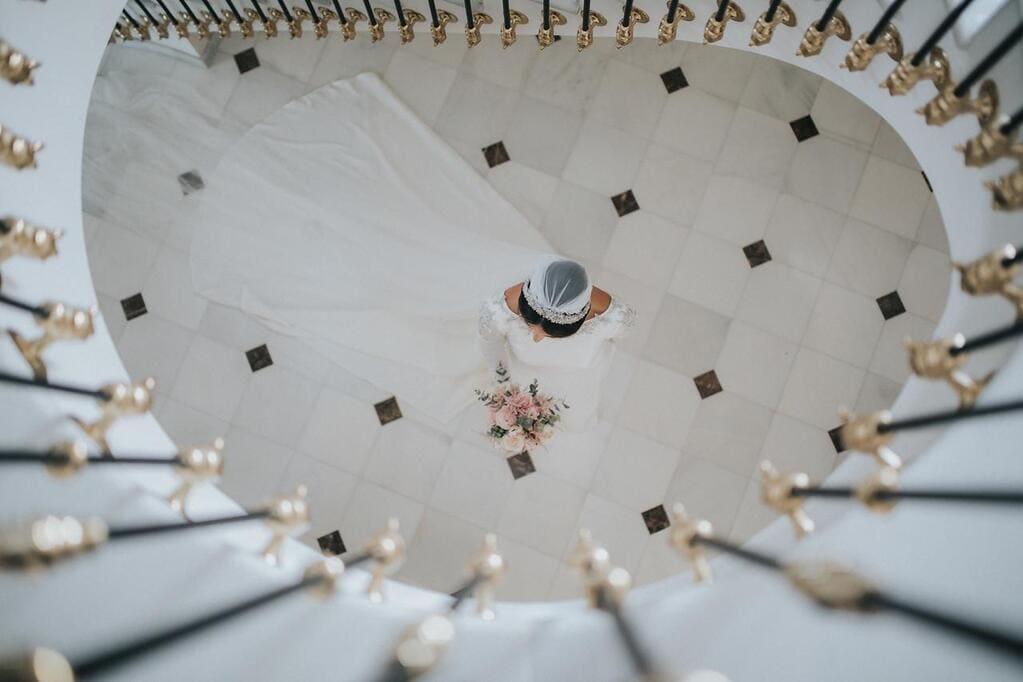 tiara de novia realizada en piedras naturales y cristal